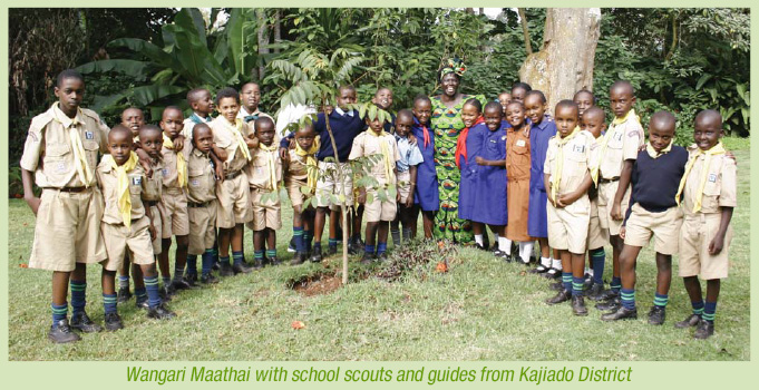 Wangari Maathai with school scouts and guides from Kajiado District